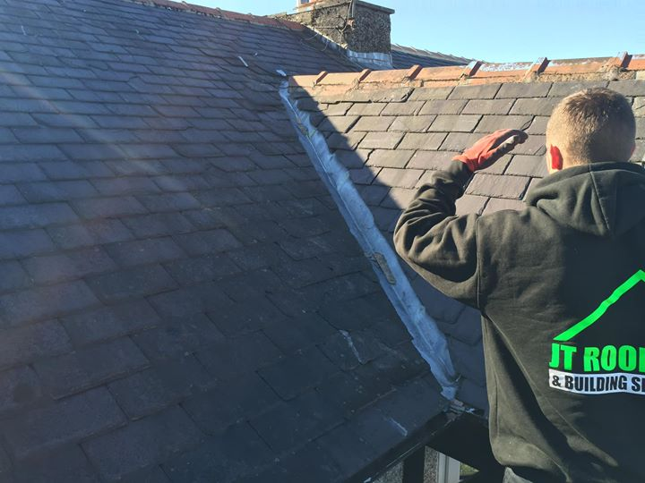 Roofing contractors Burnley – Domestic Roofing Service Burnley JT roofing's latest project @ Burnley,…